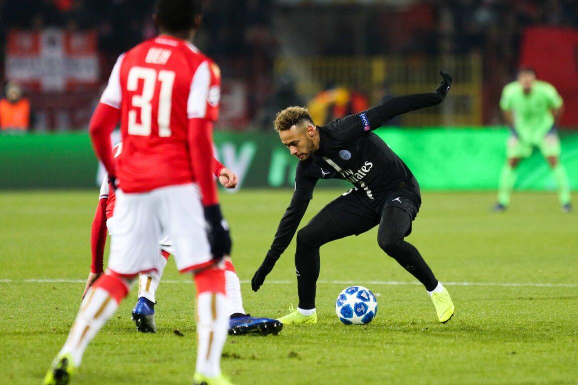 Neymar avait fait danser l'Etoile rouge de Belgrade au Marakana malgré le froid mordant. Photo by Johnny Fidelin/Icon Sport
