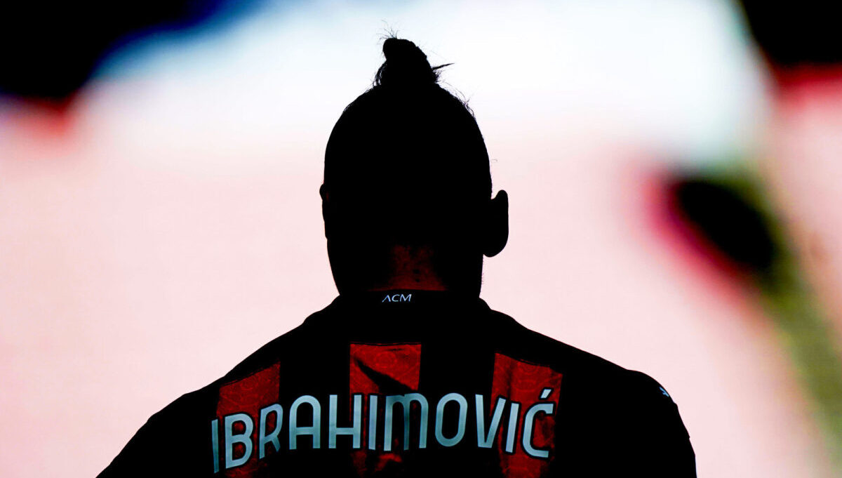 Une sortie de Zlatan Ibrahimović au restaurant fait polémique en Italie — Foot11.com