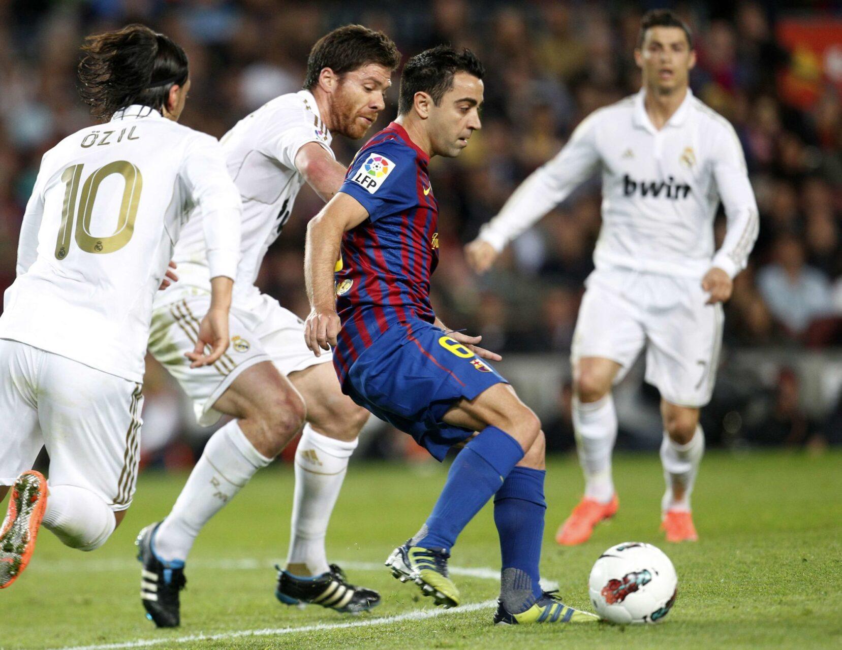 Xavi du terrain au banc de touche à Barcelone ? (Photo : IconSport)
