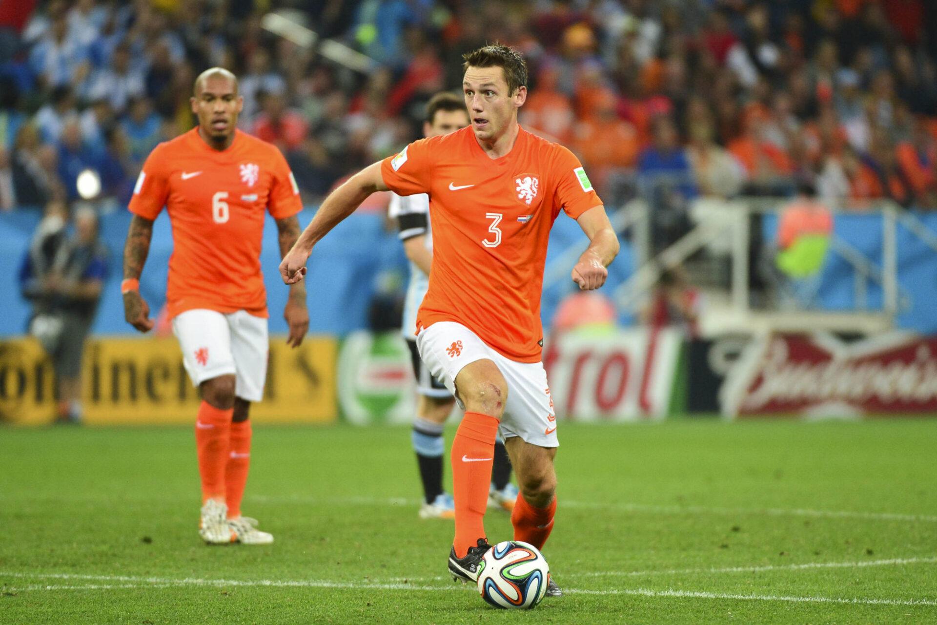 Stefan de Vrij, titulaire des Pays-Bas à la Coupe du monde 2014, ici face à l'Argentine de Lionel messi en demi-finales. Icon SPort