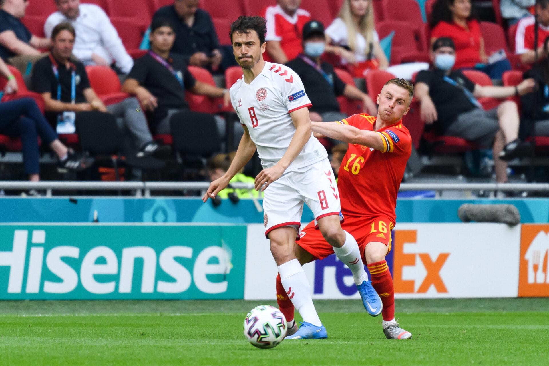 Les Gallois ont subi le jeu mis en place par les Danois, concédant de plus en plus de fautes au fil du match (iconsport)