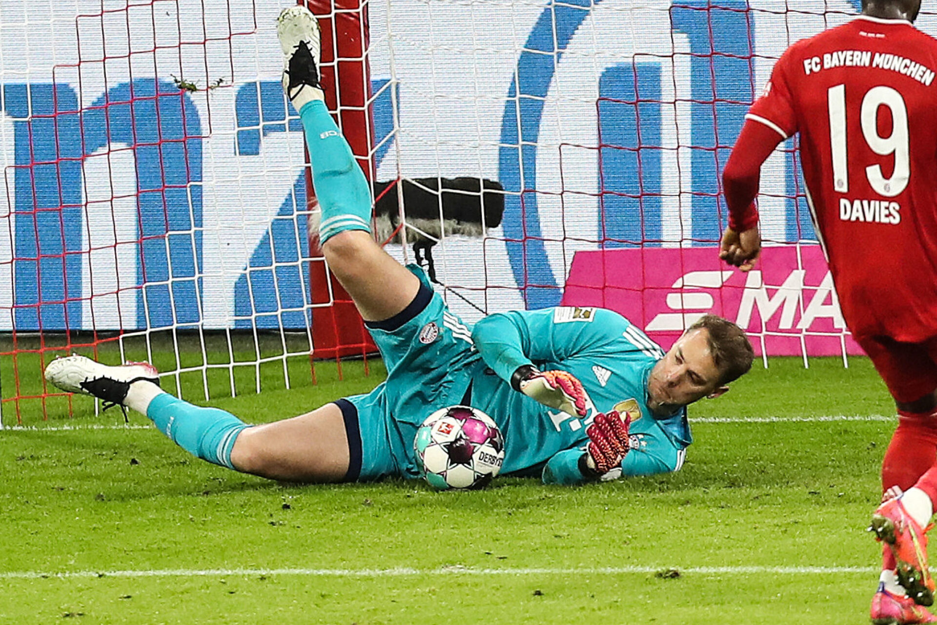 Kylian Mbappé est-il entré dans la tête de Neuer ? @iconsport