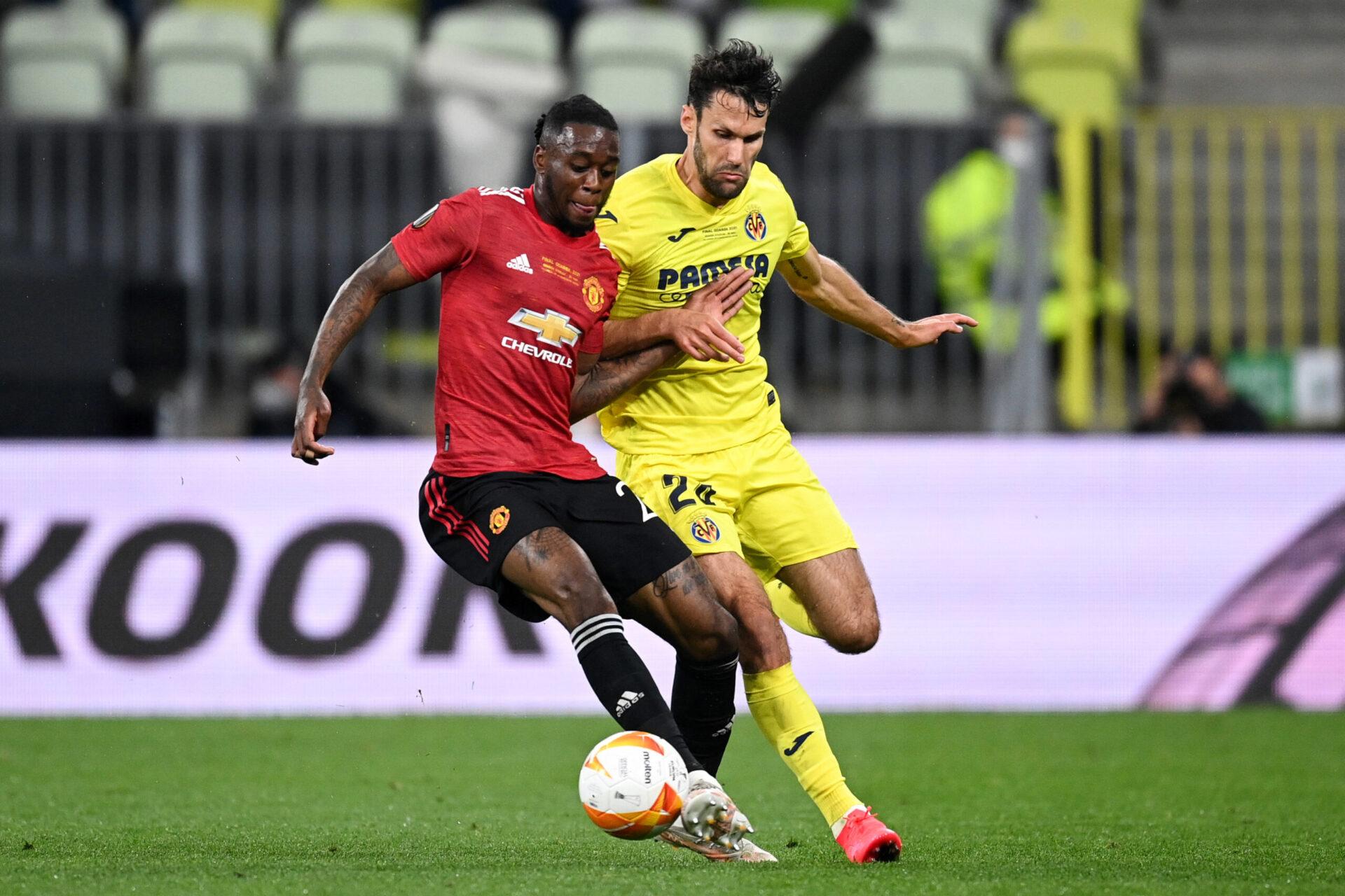 Aaron Wan-Bissaka au duel avec Alfonso Pedraza pendant la finale d'Europa League (iconsport)