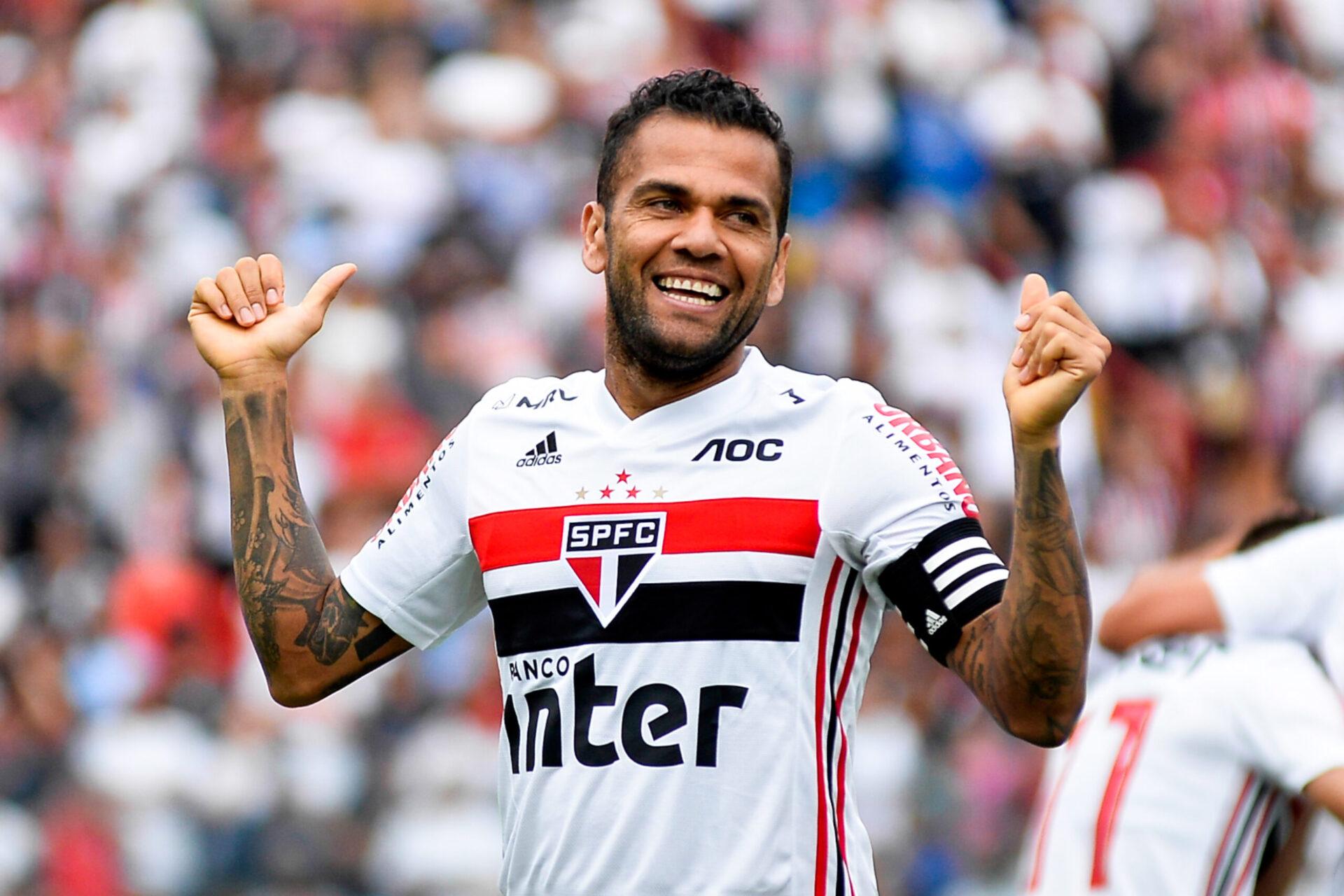 Absent de la sélection depuis octobre 2019, Daniel Alves va découvrir les Jeux Olympiques. L'occasion de soulever un 42e trophée en carrière (iconsport)