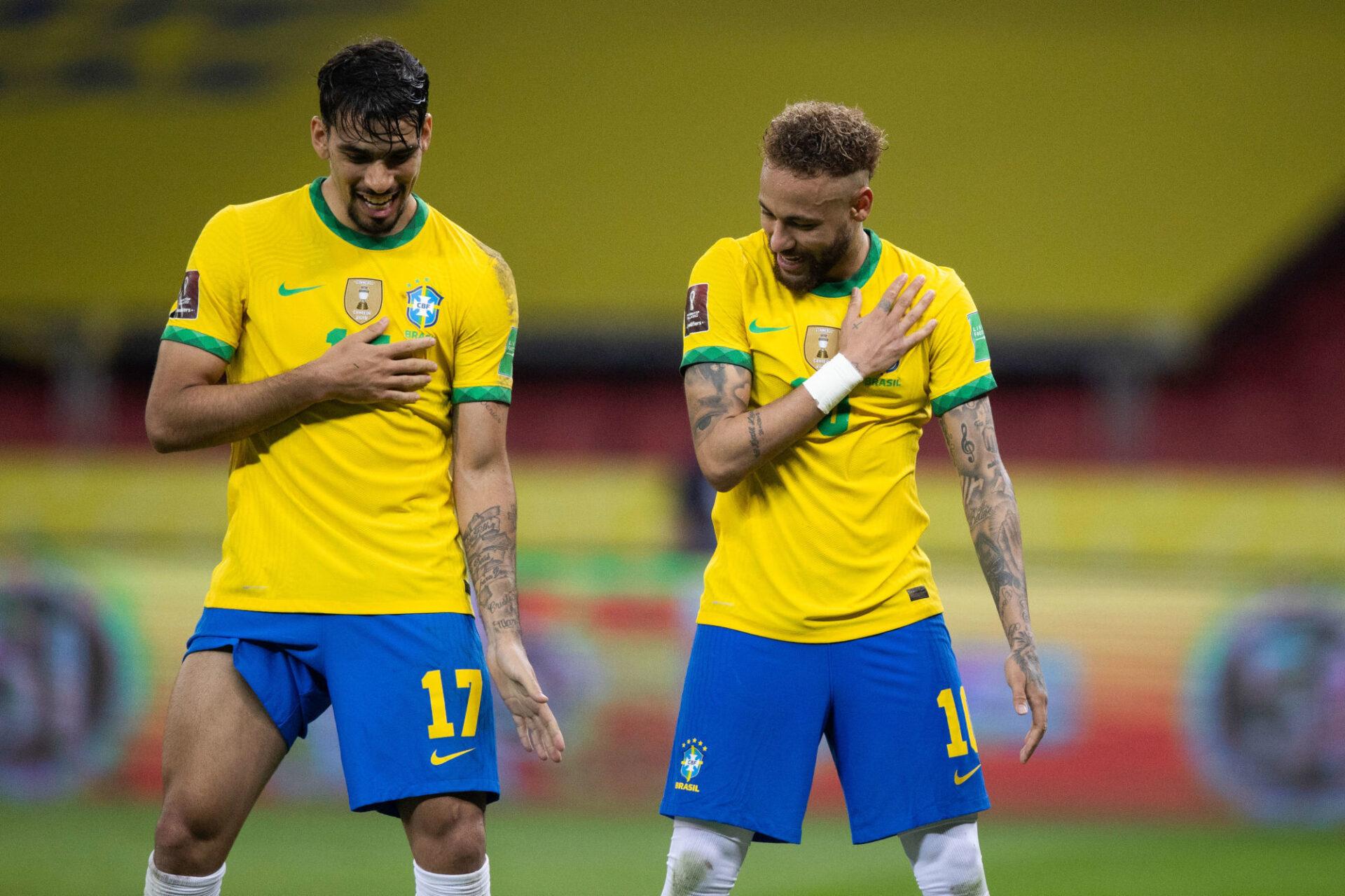 Neymar avec Lucas Paqueta contre l'Equateur. Icon Sport