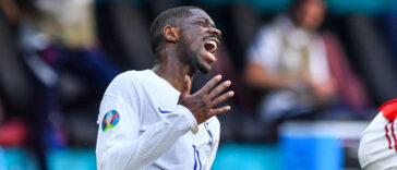 Ousmane Dembélé sera absent quatre mois après sa blessure contre la Hongrie. Icon Sport