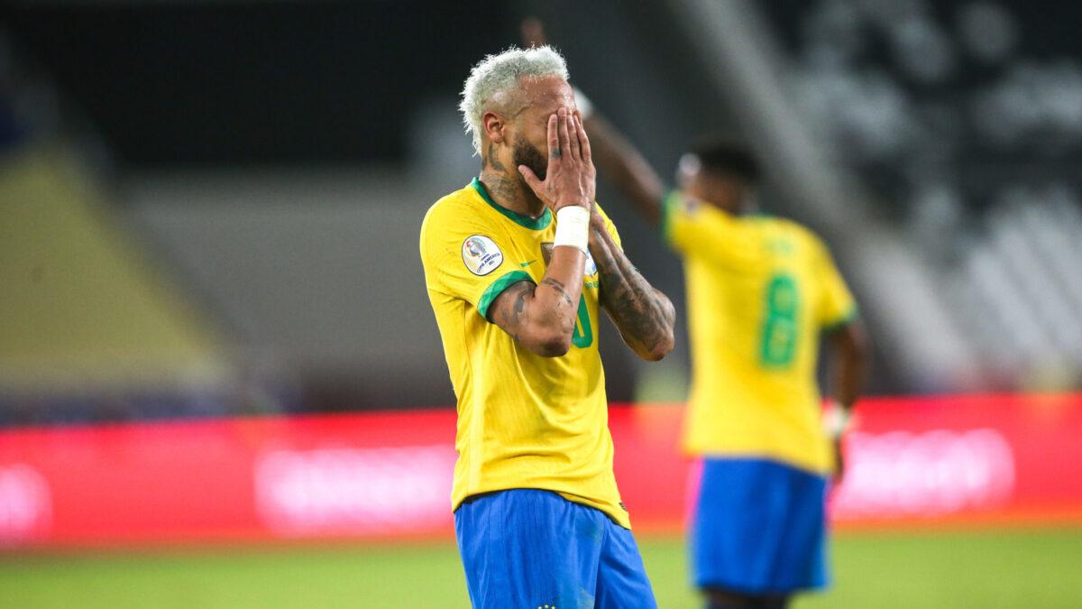 Neymar était très ému après la rencontre face au Pérou (iconsport)