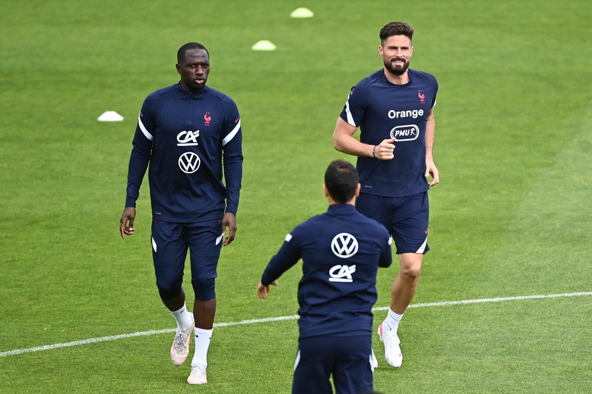 Olivier Giroud a retrouvé les Bleus avec toujours autant de bonheur, malgré son soudain statut de remplaçant. Icon SPORT