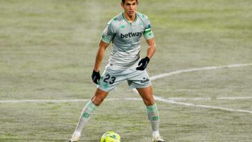 Aïssa Mandi s'est engagé avec Villarreal jusqu'en 2025. Icon Sport