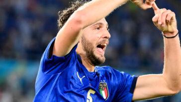 Manuel Locatelli a été le grand artisan du succès italien contre la Suisse. Le milieu de terrain de Sassuolo a inscrit un doublé qui envoie la Squadra Azzurra en huitièmes de l'Euro 2020 (iconsport)