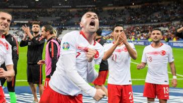 Burak Yilmaz déchaîne les passions en Turquie. Icon Sport
