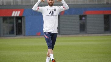 Sergio Ramos lors de son premier entrainement au PSG (PSG.FR)