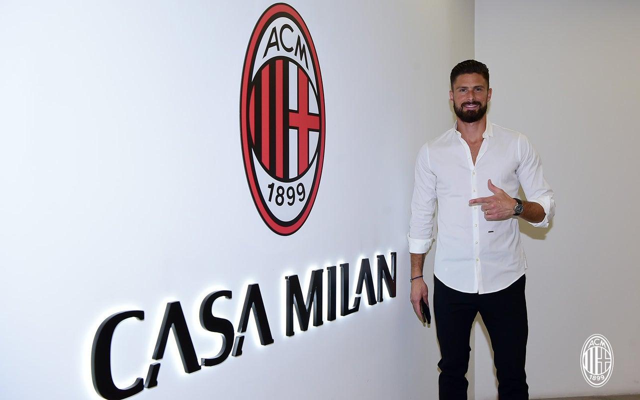 Olivier Giroud a signé un contrat avec l'AC Milan, qui le lierait a priori jusqu'en 2023 chez les Rossoneri. Icon Sport
