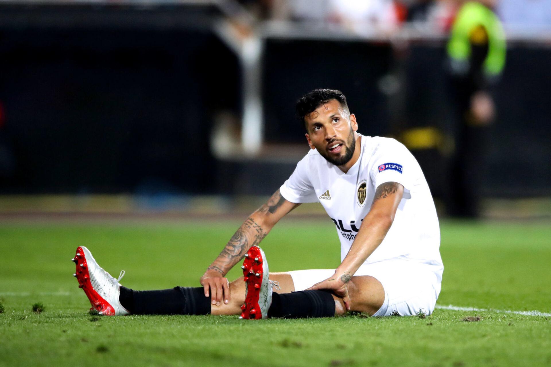 Ezequiel Garay a été trahi par son corps à Valence. Icon Sport