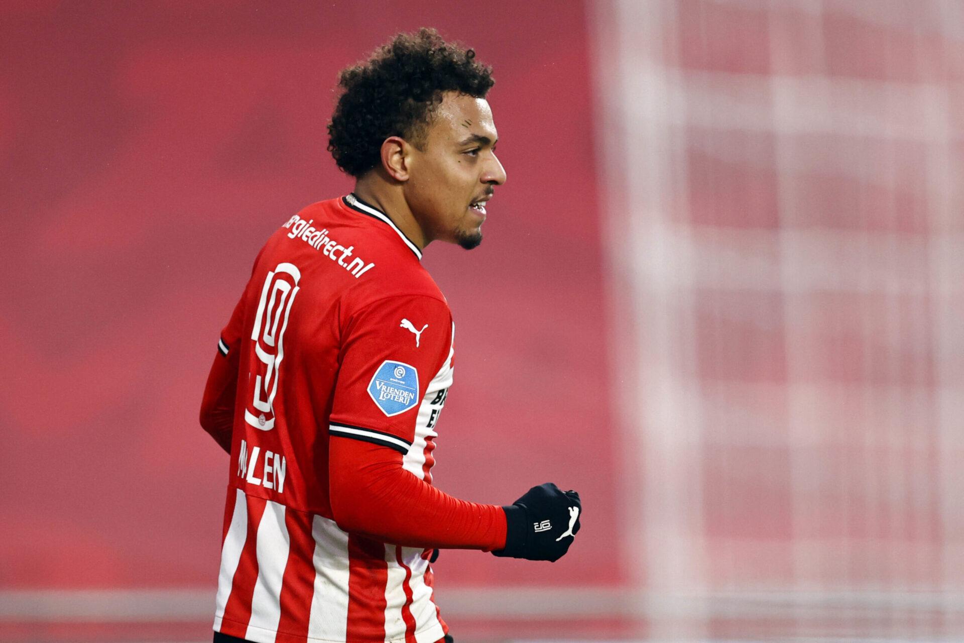 Le PSV se serait entendu avec Dortmund pour le transfert de Malen (iconsport)