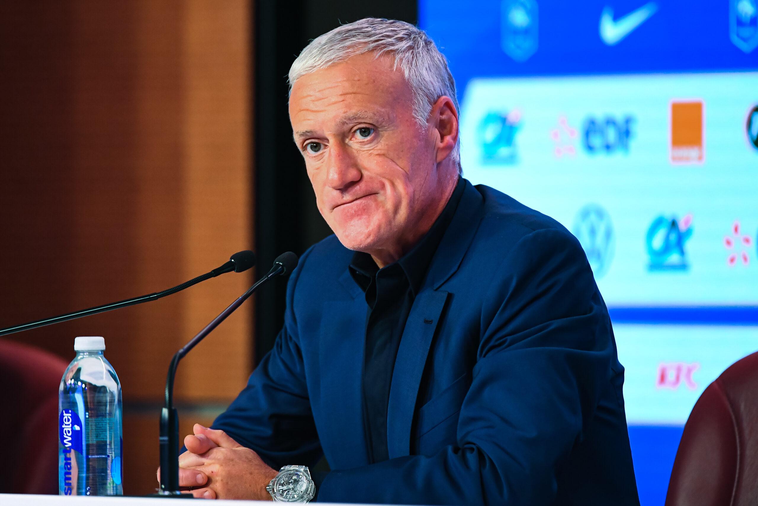 Malgré le plus grand échec de sa carrière, Didier Deschamps ne quittera pas son poste de sélectionneur. Le technicien va poursuivre au moins jusqu'à la Coupe du monde 2022 au Qatar (iconsport)