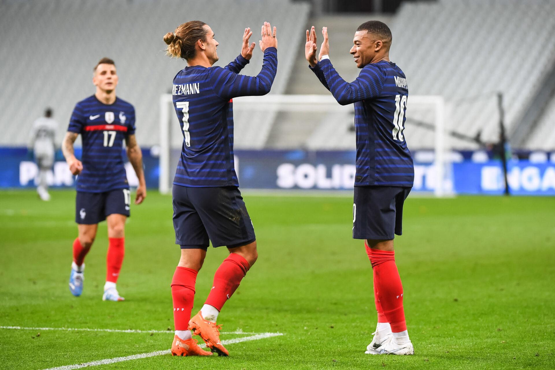 Antoine Griezmann et Kylian Mbappé se sont déjà positionnés pour disputer les JO 2024 avec la France. Icon Sport
