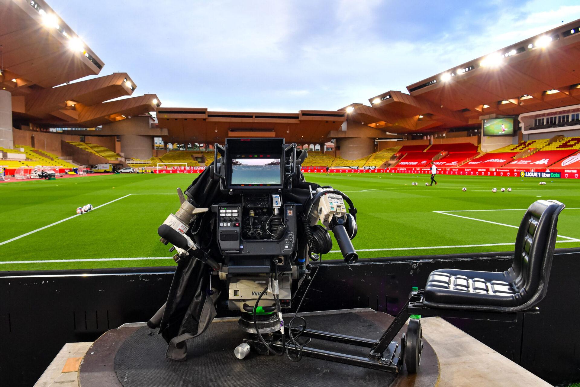 La Ligue 1 reprend dans deux semaines alors que Canal + et beIn Sports refusent d'honorer le lot 3 incluant deux matchs par journée (iconsport)