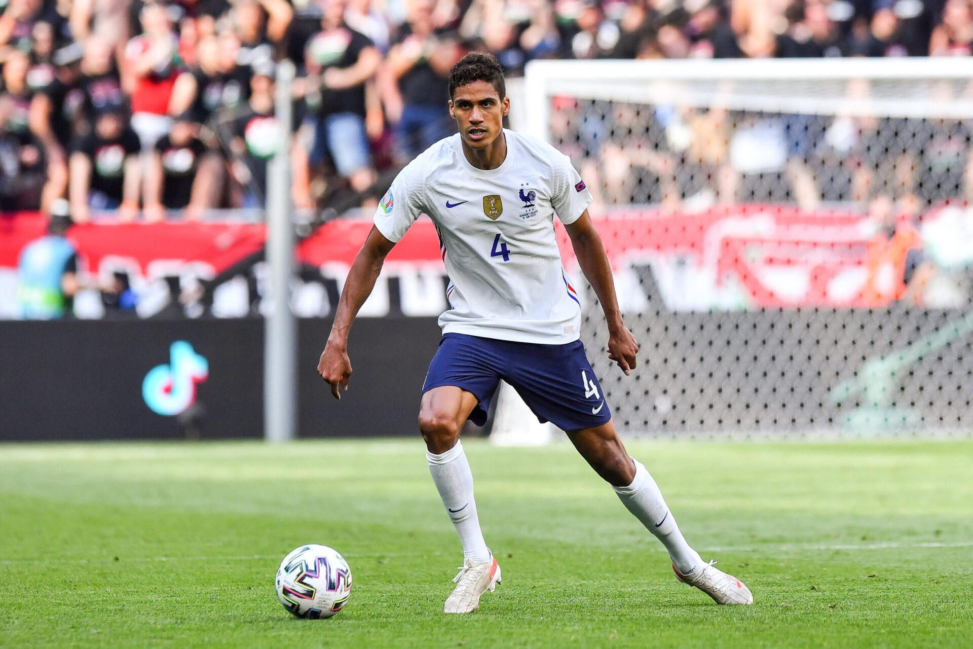 Raphaël Varane voudrait tenter un nouveau challenge et pourrait bientôt tomber d'accord avec United (iconsport)