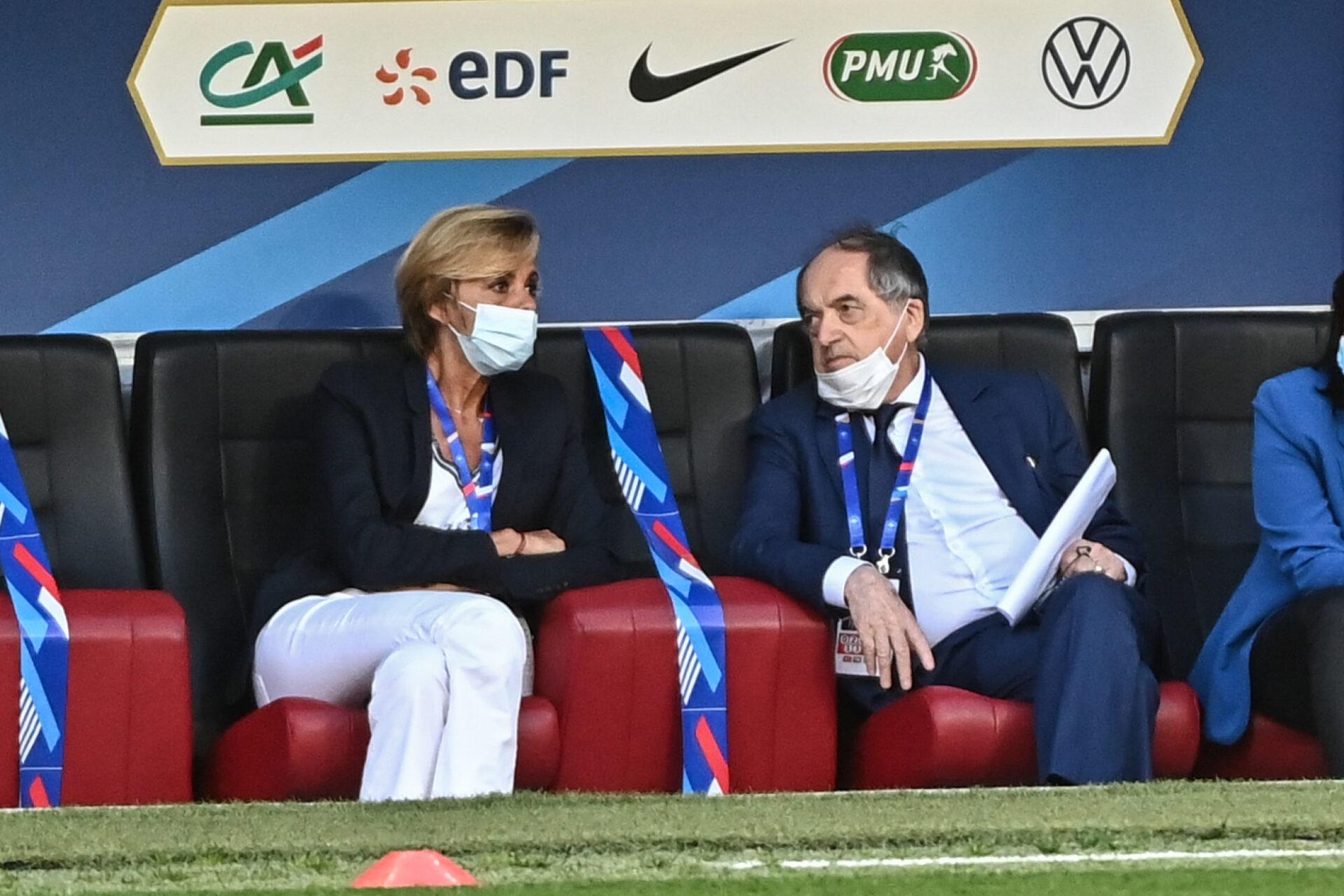 Florence Hardouin, la directrice générale de la FFF (à gauche), tente de diminuer la facture de 170.000€ de l'hôtel de Gardony en compagnie du président Noël Le Graët. Icon Sport