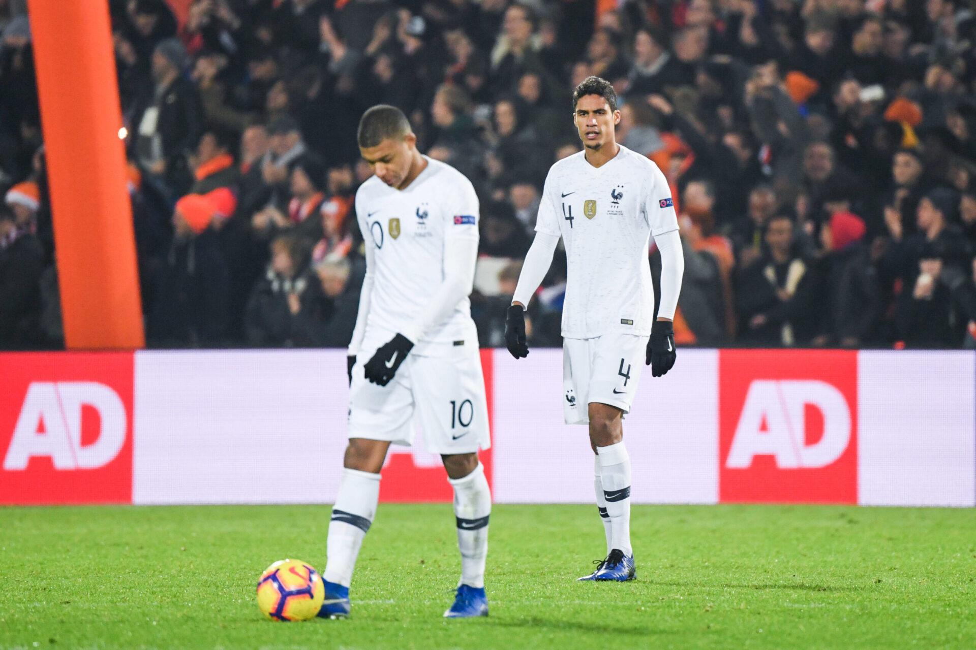 Pour Marca, la vente de Raphaël Varane ferait partie de la stratégie du Real pour recruter Kylian Mbappé en fin de mercato (iconsport)