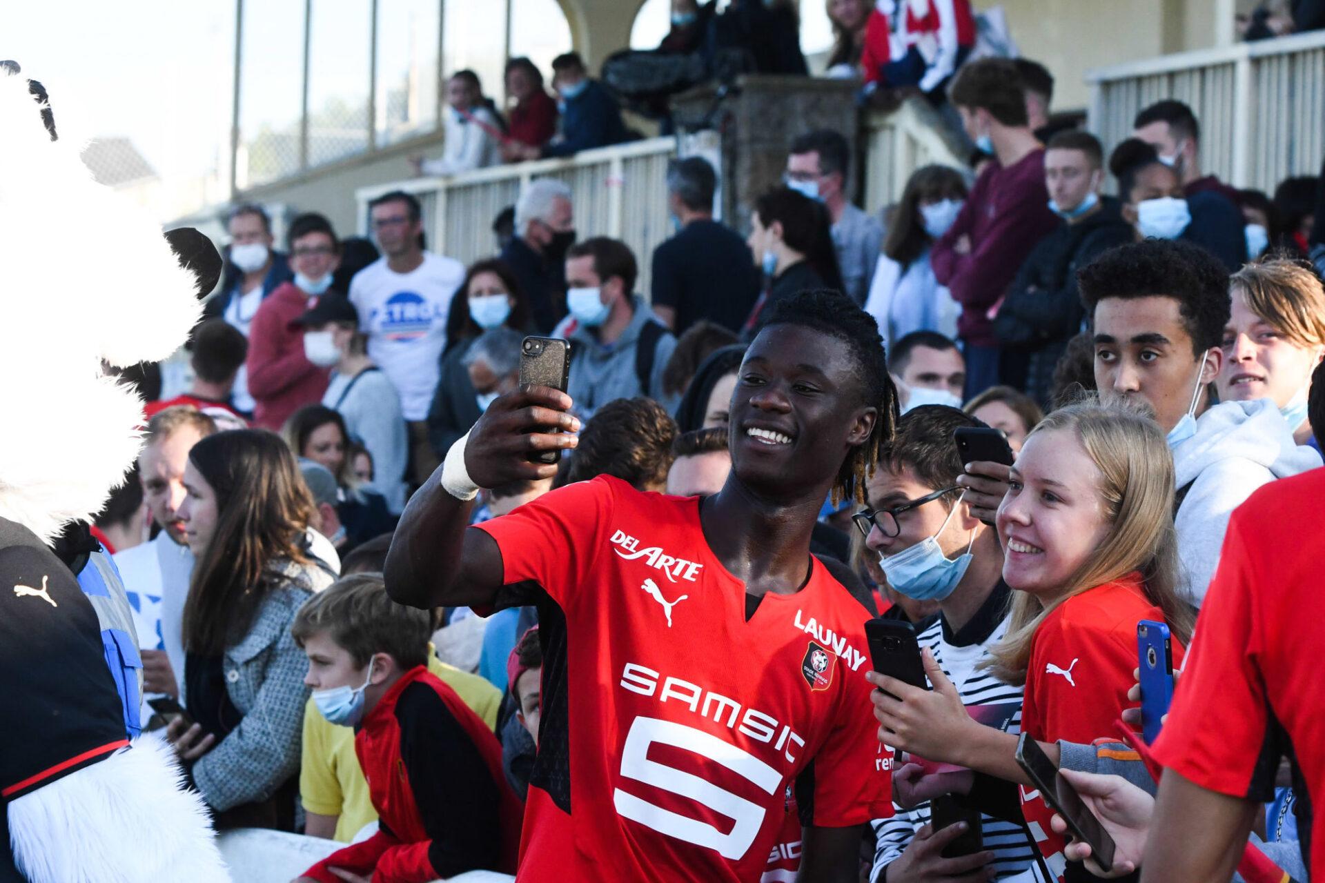 Eduardo Camavinga a repris le chemin de l'entraînement avec le Stade Rennais, mais sans certitude d'y évoluer la saison prochaine. Icon Sport