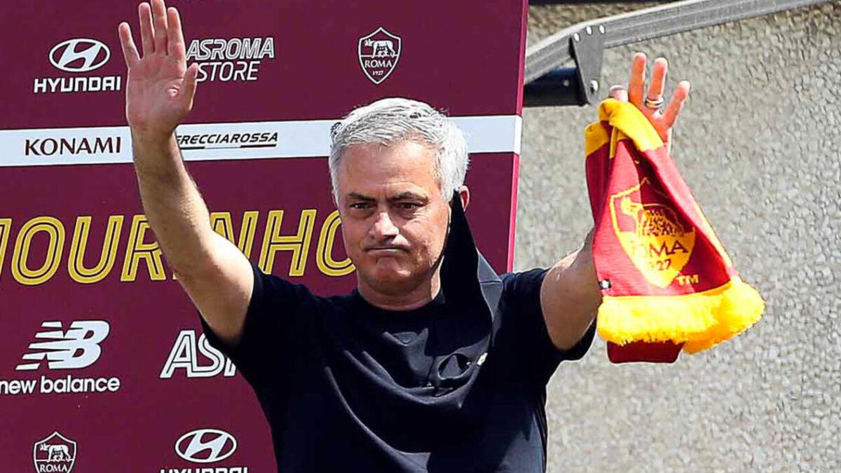José Mourinho était en conférence de presse de présentation ce jeudi 8 juillet pour son arrivée à l'AS Roma (iconsport)