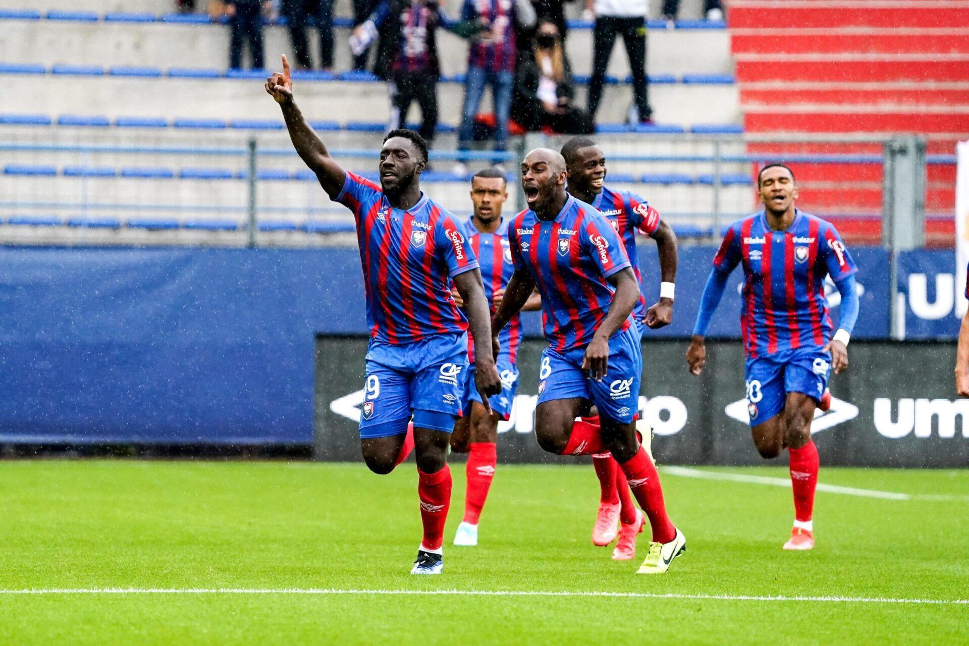 Alexandre Mendy a parfaitement lancé sa saison, en inscrivant un triplé avec Caen. Icon Sport