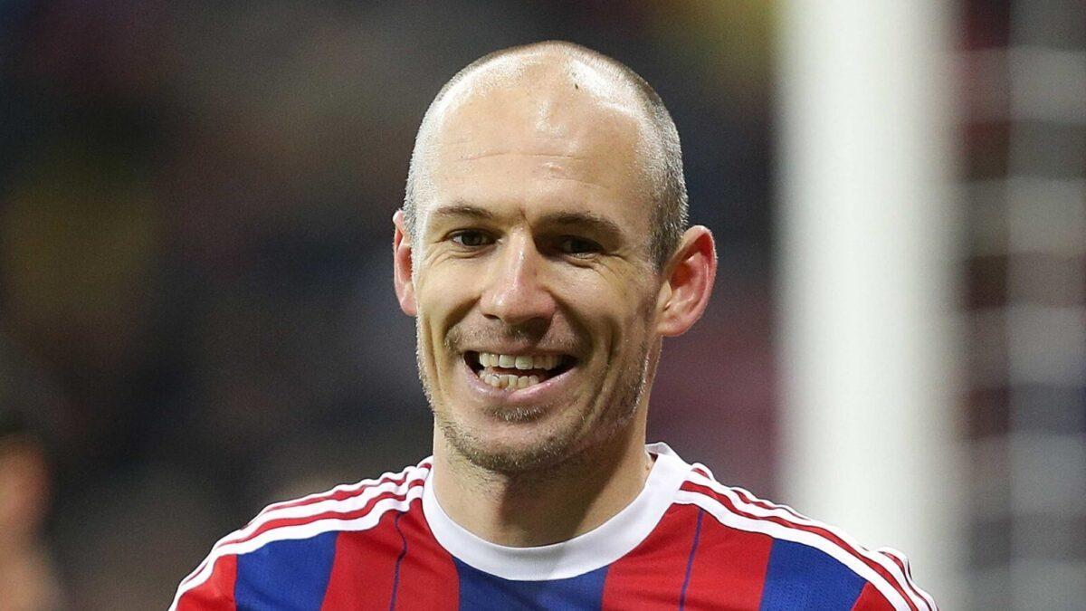Fin de parcours pour Arjen Robben. Deux ans après une première retraite, l'ailier néerlandais a annoncé qu'il quittait les terrains après une saison tronquée avec le FC Groningen (iconsport)