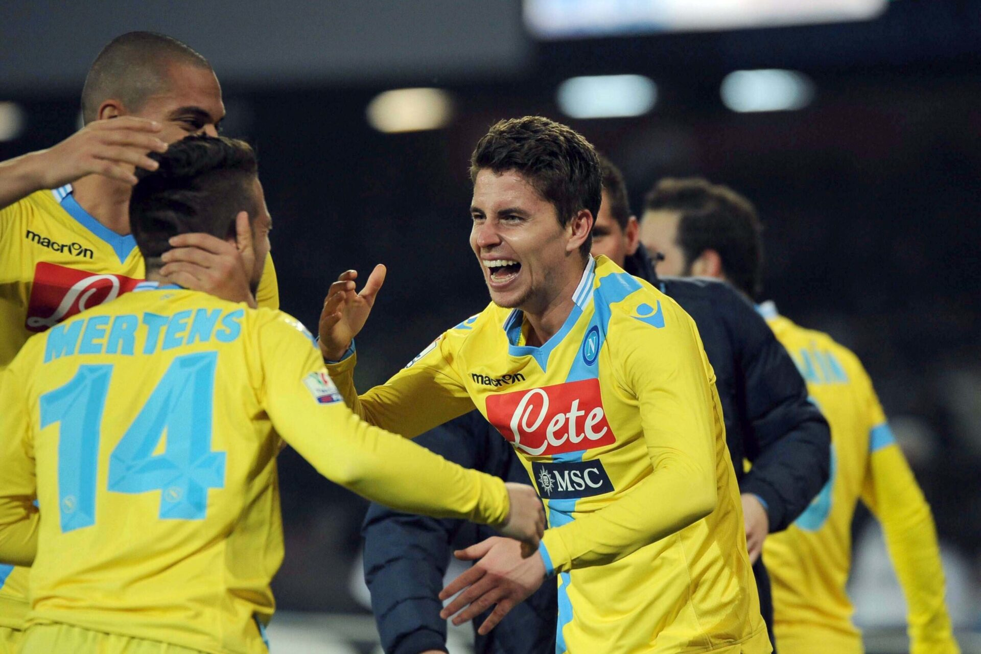 Jorginho célébrant les résultats avec son équipe de Naples (Icon Sport)