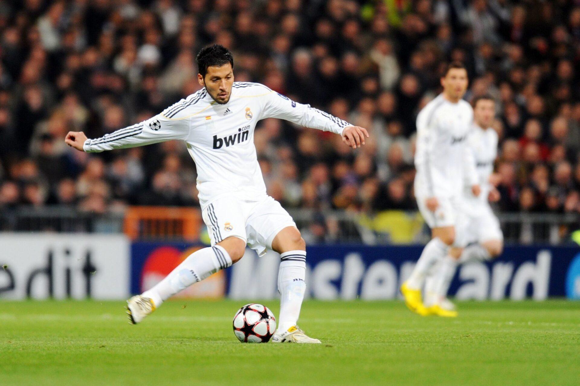 Ezequiel Garay, ici lors du huitième de finale de Ligue des champions 2010 perdu contre l'OL, a disputé 31 matchs en deux saisons avec le Real Madrid. Icon Sport