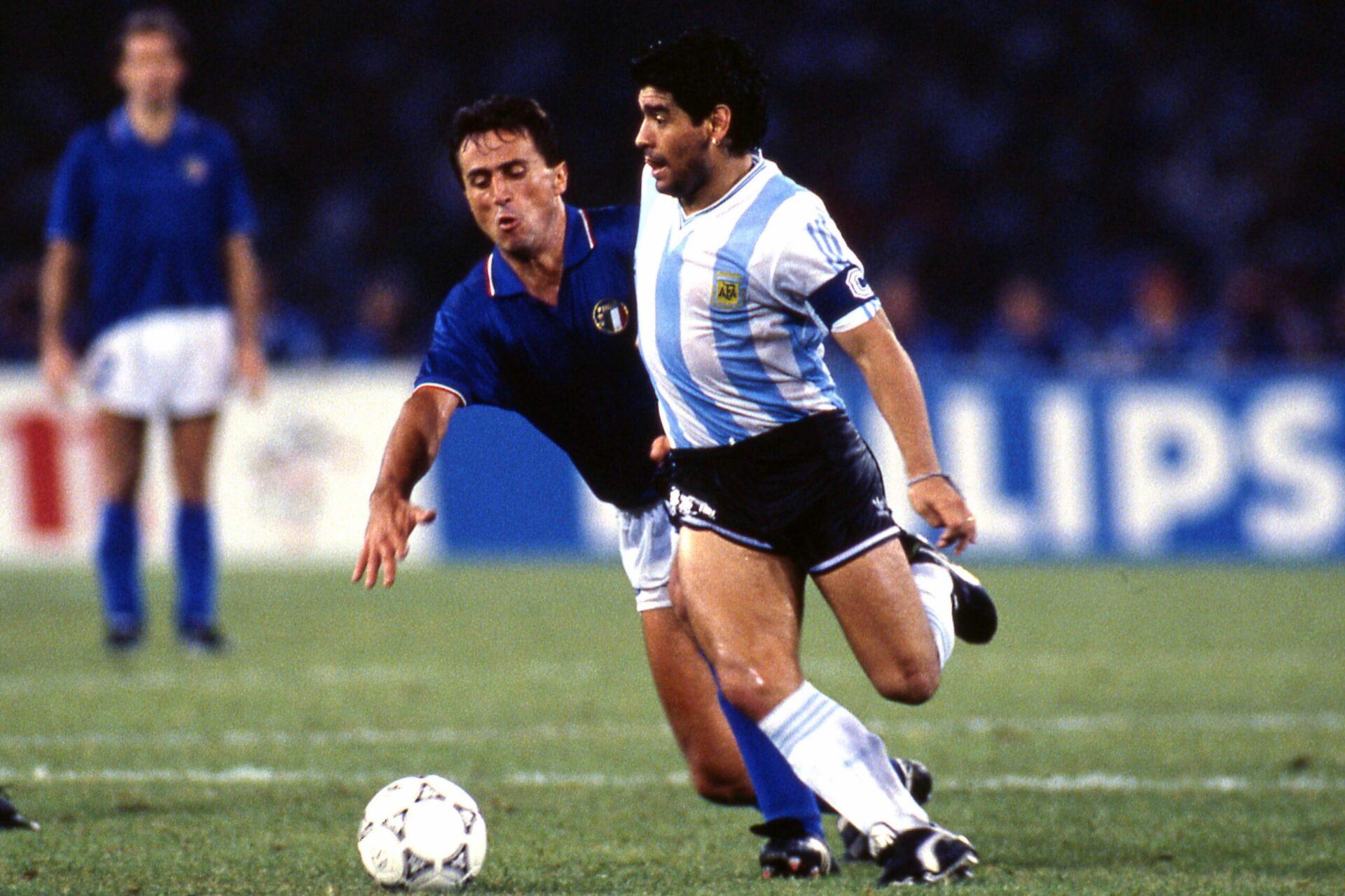 Diego Armando Maradona, face à l'Italie en demi-finale de Coupe du monde 1990. Icon Sport