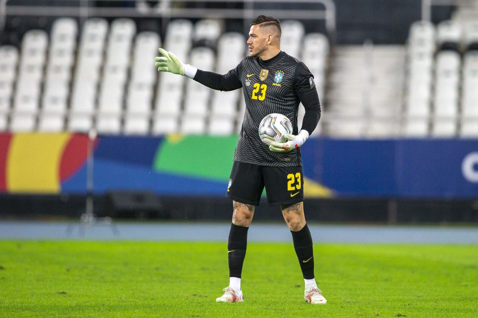 Décisif au retour des vestiaires, Ederson a permis au Brésil de conserver son court avantage sur le Pérou (iconsport)