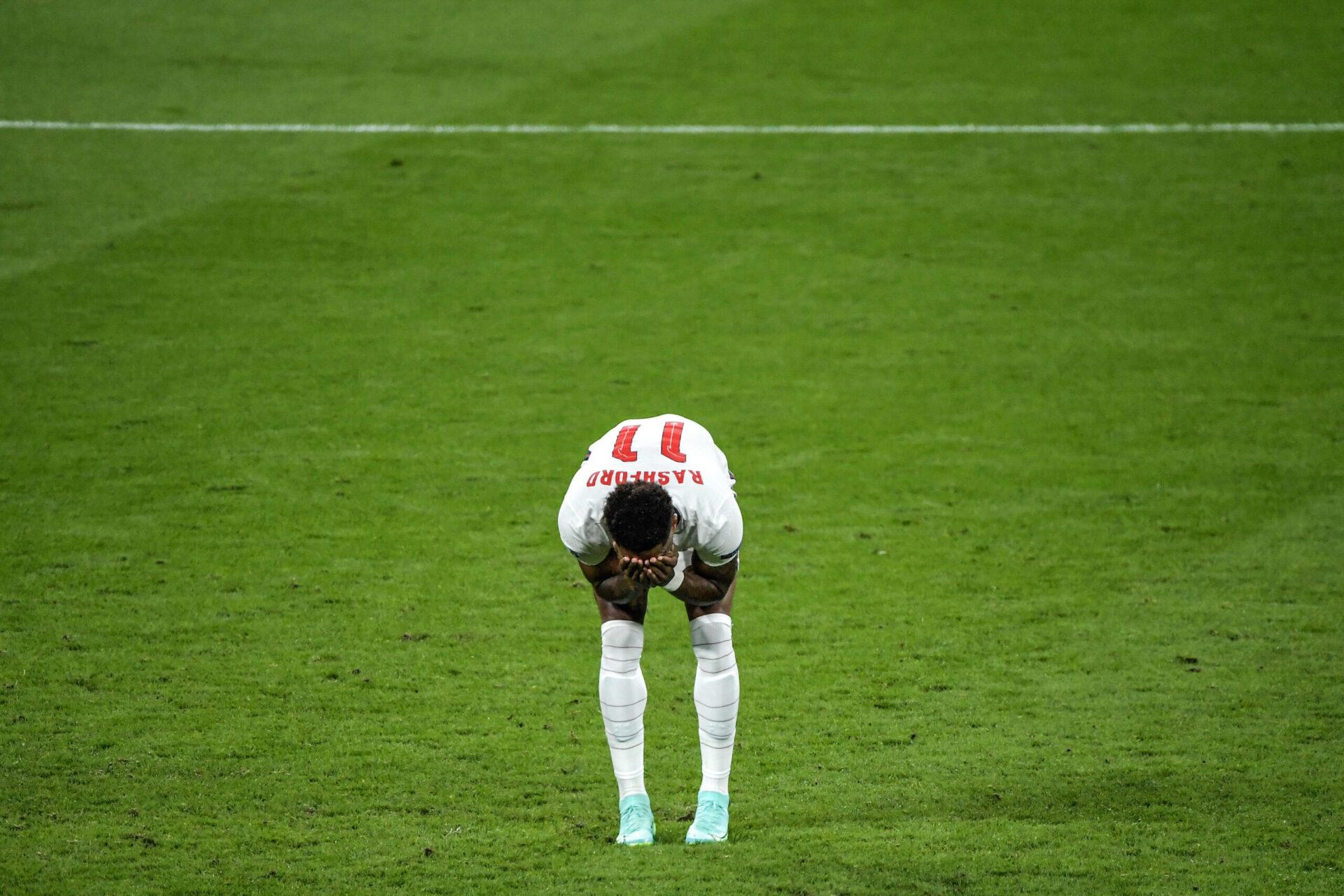 Rashford, dépité après son tir au but manqué face à l'Angleterre en finale de l'Euro. Icon Sport