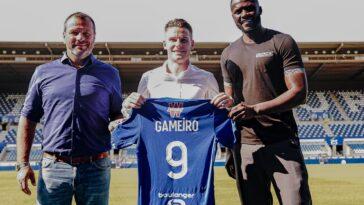 Kevin Gameiro s'est engagé avec son club formateur, treize ans après son départ de Strasbourg. @RC Strasbourg