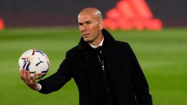 Libre après avoir quitté le Real Madrid, Zinédine Zidane fait de l'équipe de France le prochain grand objectif de sa carrière (iconsport)