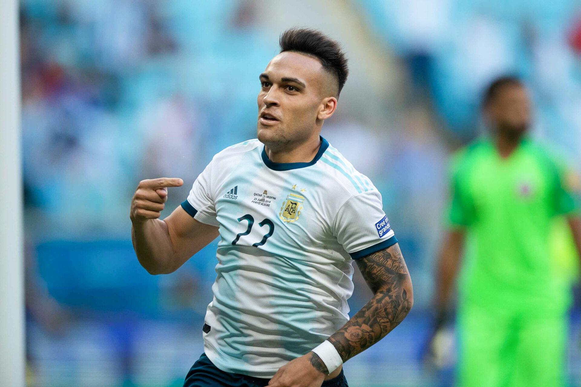 Lautaro Martinez sous les couleurs du drapeau argentin (Icon Sport)