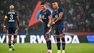 Le PSG d'Achraf Hakimi et Kylian Mbappé s'est fait peur, mais a finalement battu Strasbourg (4-2) en Ligue 1, ce samedi 14 août. Icon Sport