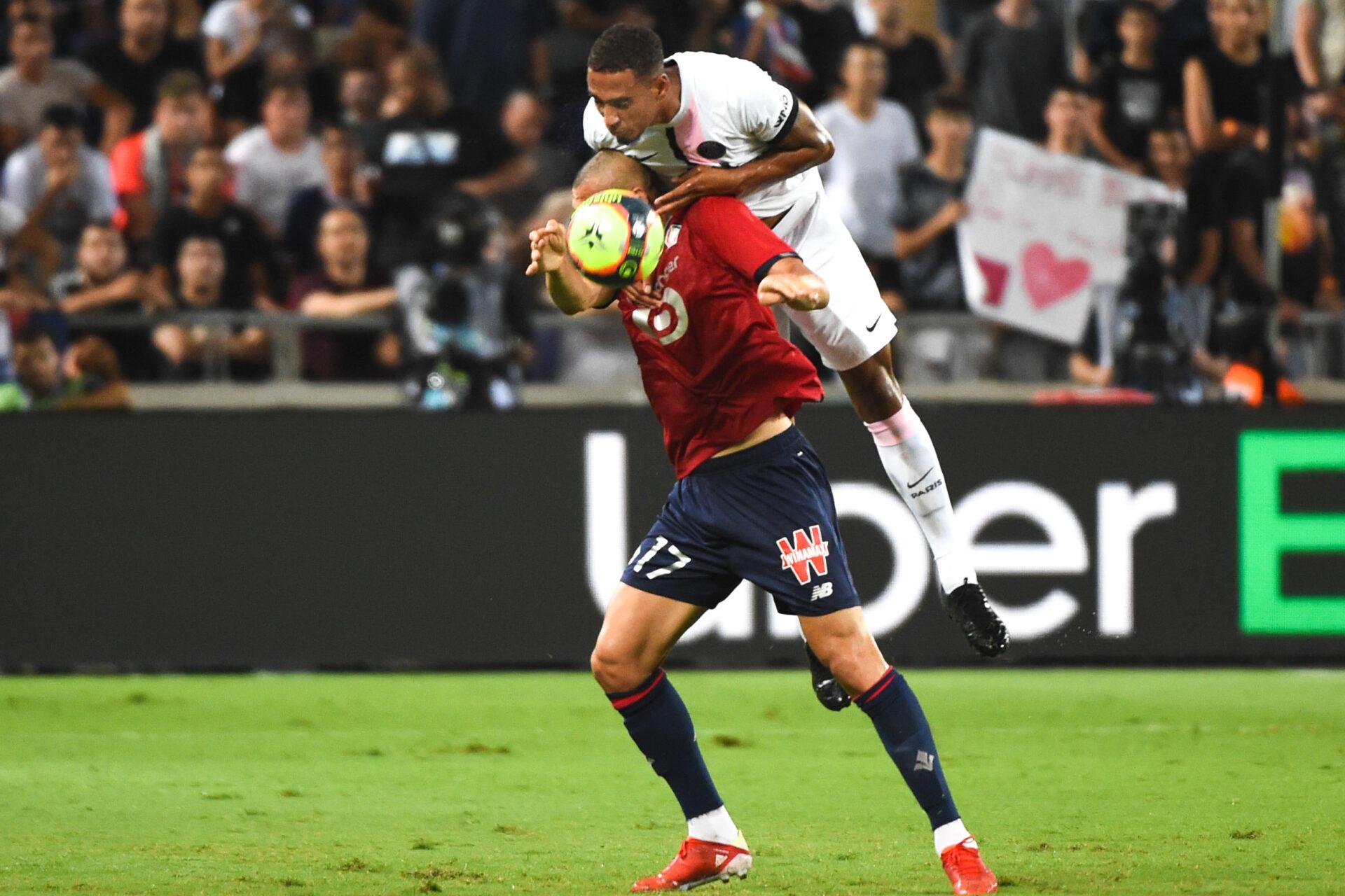 Thilo Kehrer au duel avec Burak Yilmaz lors du Trophée des champions (IconSport)