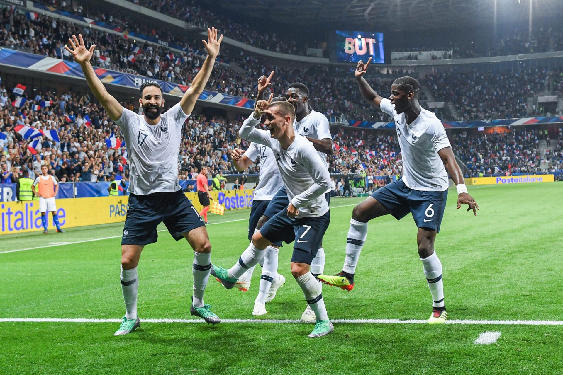 En 2018, les joueurs de l'équipe de France, Adil Rami et Antoine Griezmann en tête s'amusaient à célébrer les buts des Bleus en reproduisant des célèbres danses vues sur Fortnite (iconsport)