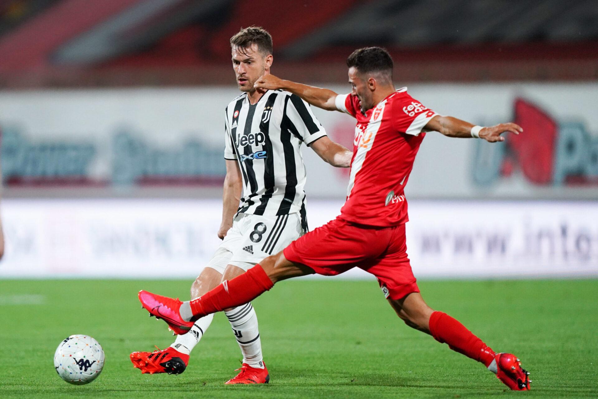Contre Monza, en préparation, Massimiliano Allegri a placé Aaron Ramsey devant la défense (iconsport)