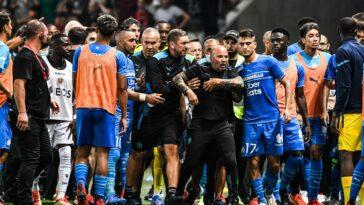 Ligue 1 : L'OM et Nice se séparent dans le chaos, le match interrompu (iconsport)