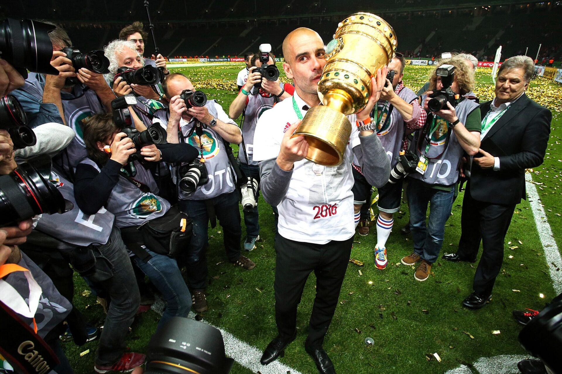 Pep Guardiola goûtant au succès de son équipe munichoise (Icon Sport)