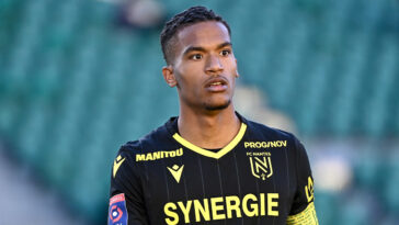 Définitivement transféré au FC Nantes cet été, Alban Lafont est le nouveau capitaine des Canaries cette saison (iconsport)