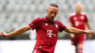 Franck Ribéry avec le maillot du Bayern Munich lors d'une grande cérémonie organisée par le club cette semaine (iconsport)