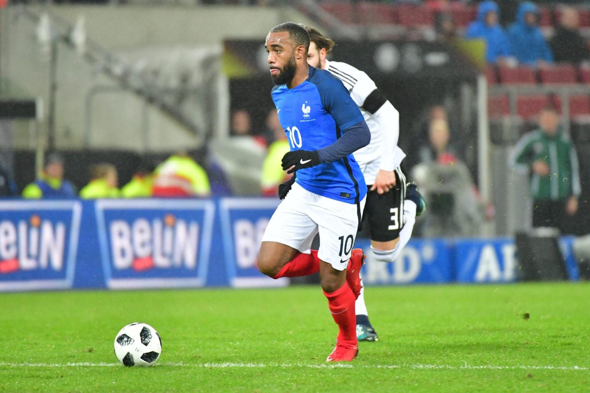 Alexandre Lacazette honorant son pays, la France (Icon Sport)