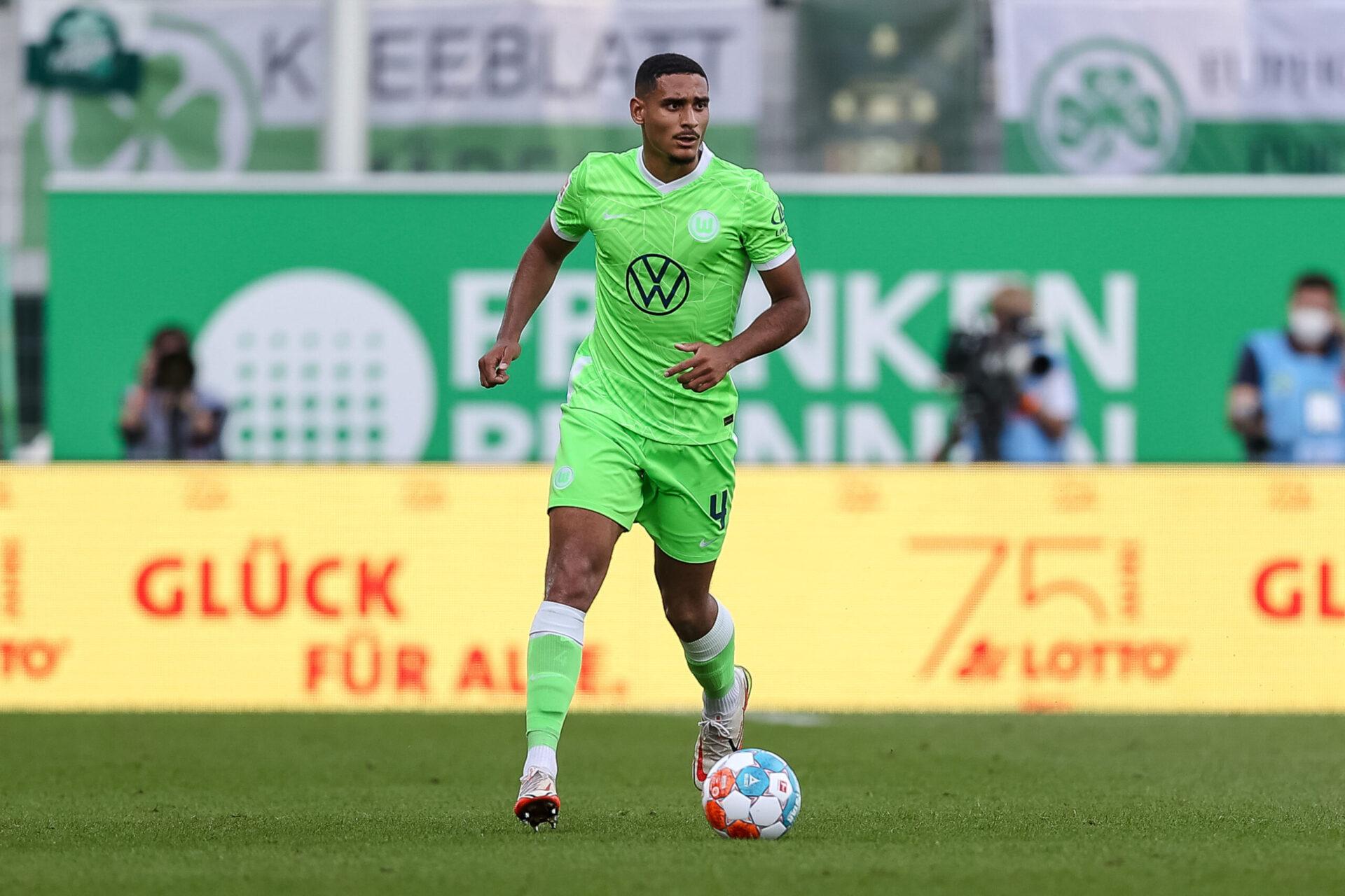 Titulaire avec Wolfsburg, Maxence Lacroix devrait débuter dans l'axe de la défense face à Lille (iconsport)