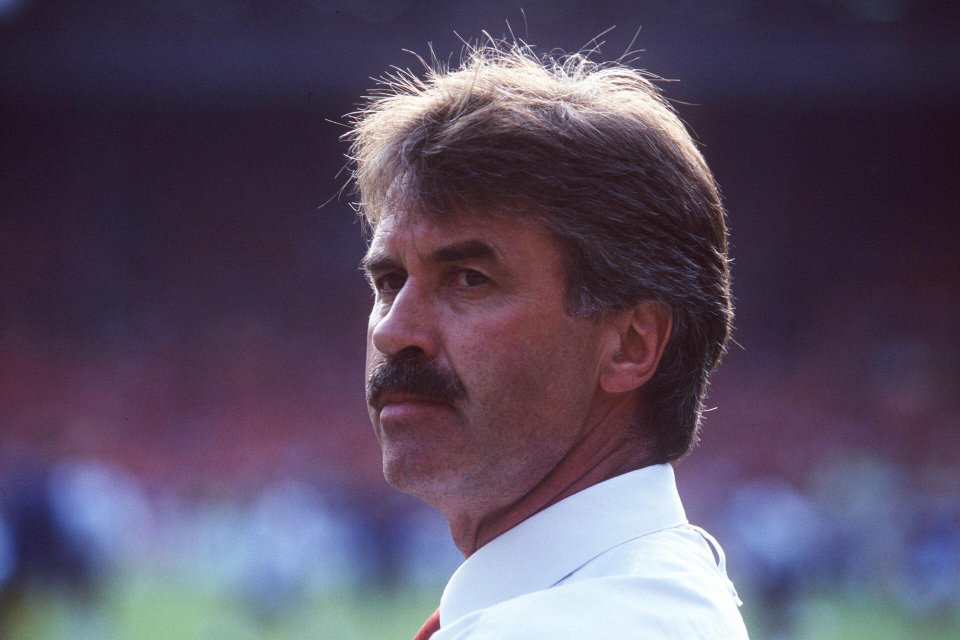 Guus Hiddink à l'Euro 1996 avec les Pays-Bas. Les Oranje se feront éliminer en quart par la France aux tirs au but. Icon Sport
