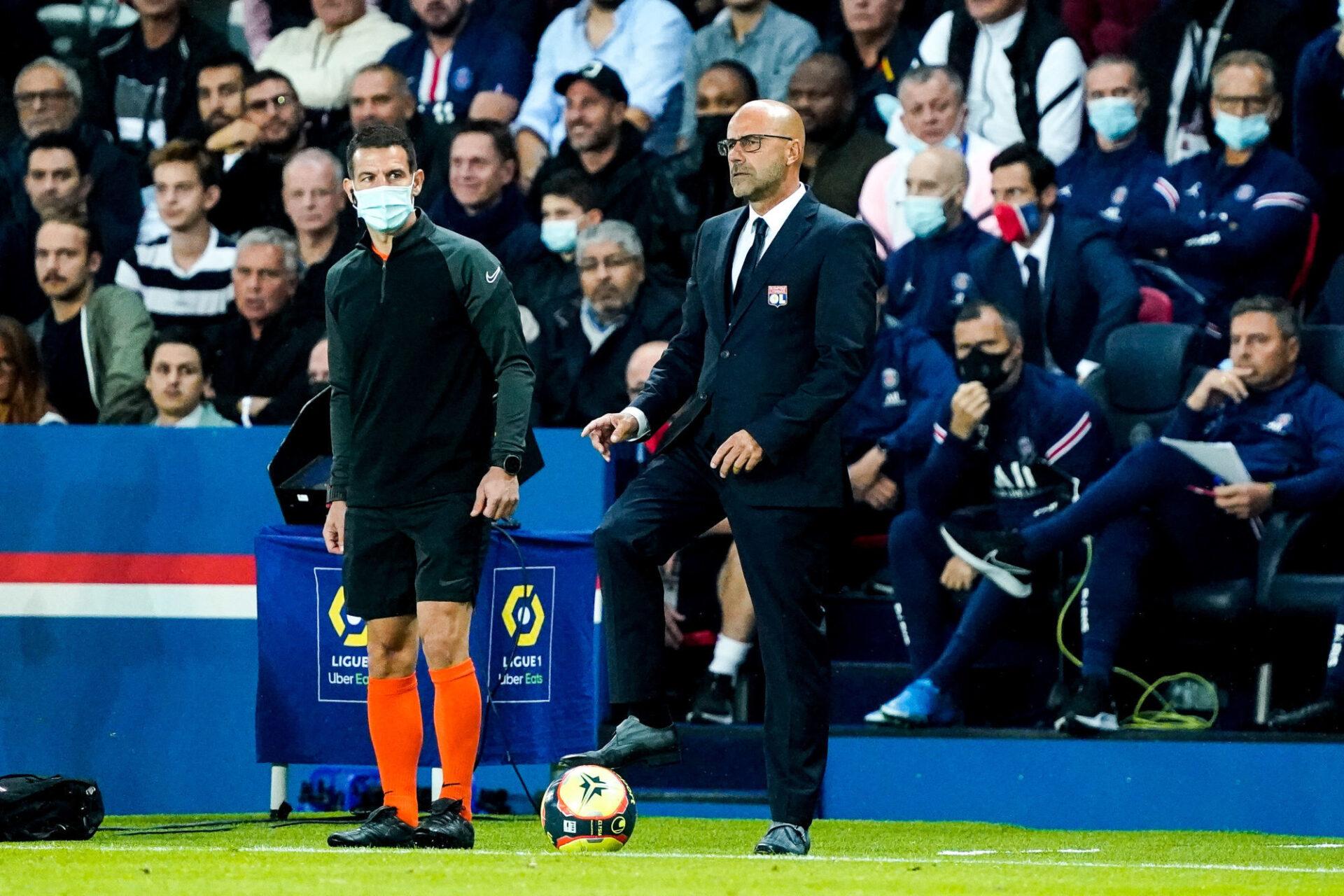 Peter Bosz se projetait déjà sur le match contre Troyes après la défaite face au PSG (1-2). Icon Sport