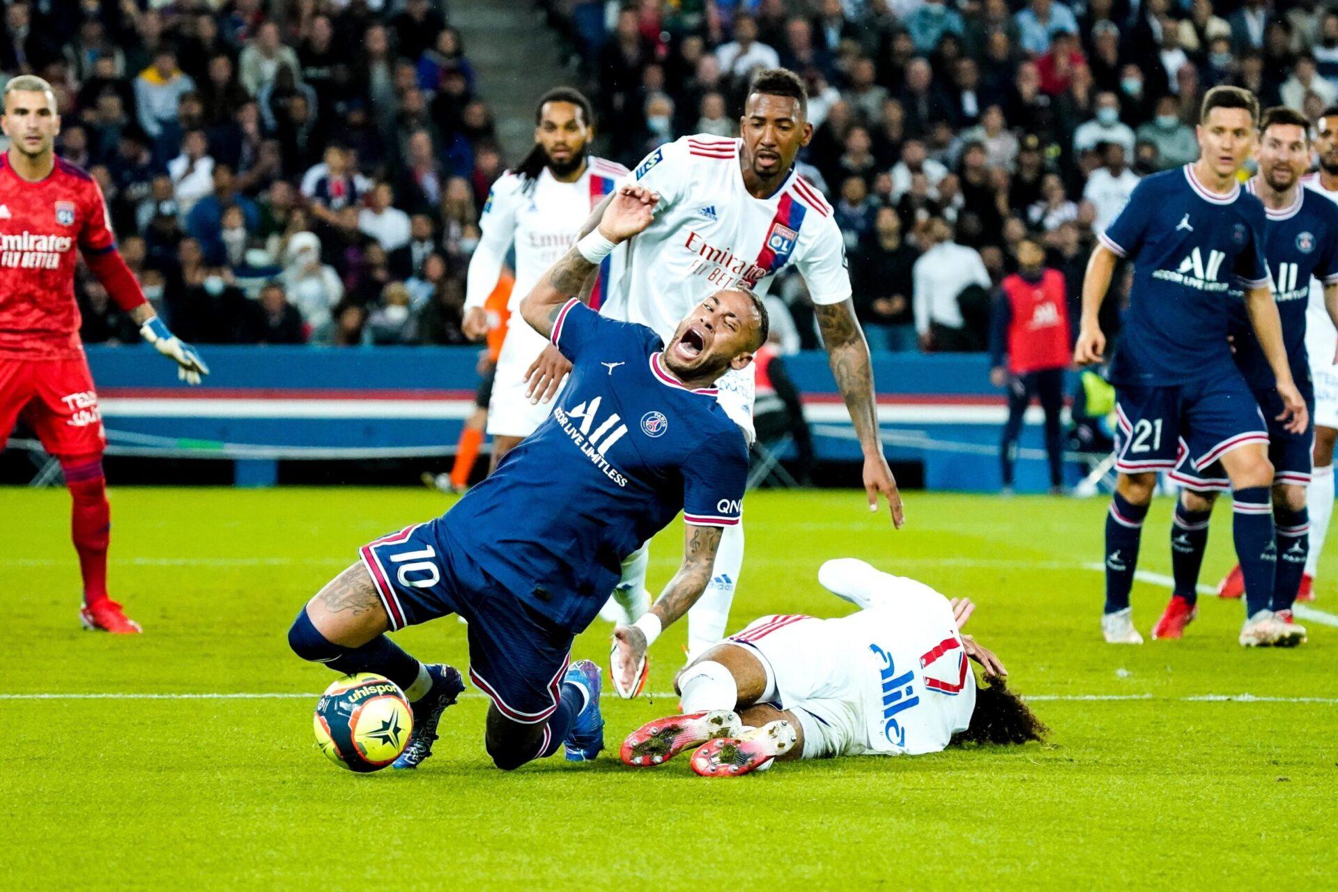 La faute de Malo Gusto sur Neymar (iconsport)